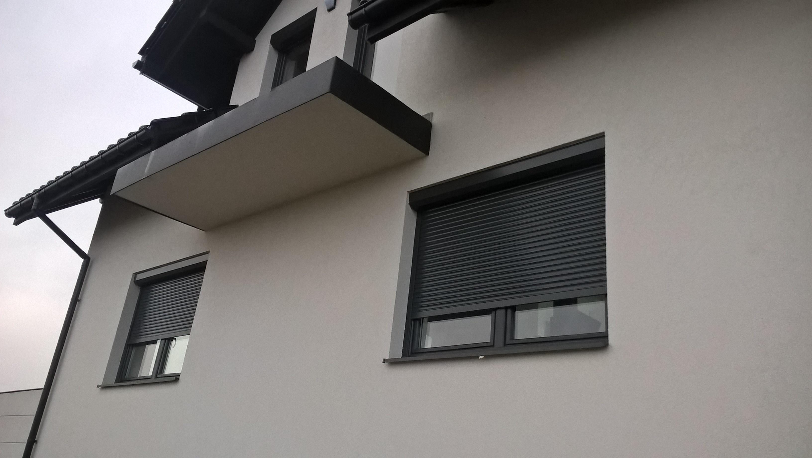 W Ultra Rolety zewnetrzne. Coloryt okna, rolety, bramy, markizy YM45